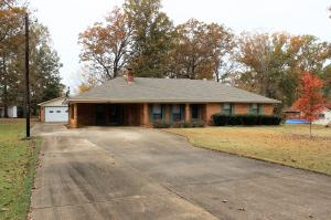 449 McMinn Cir, Louisville, MS 39339