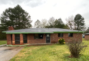41 Isabell St, Louisville, MS 39339
