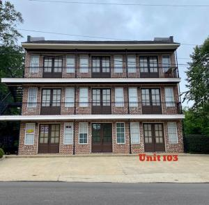 105 Old West Point Rd Unit 103, Starkville, MS 39759