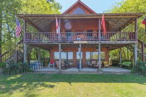 33 Cypress Lake Dr, Pickensville, AL 35447