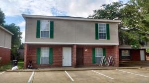 1301 Louisville St, Starkville, MS 39759