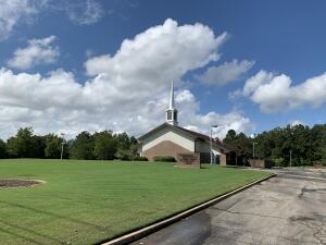 4747 E Church Hill Rd, West Point, MS 39773