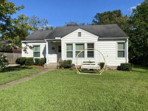 428 Cromwell St, West Point, MS 39773
