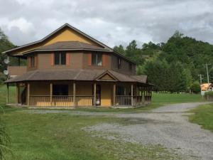 34037 Seneca Trail Rt 219, Slatyfork, Wv 26291