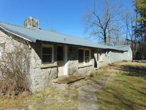 145 Falcon Lane, Berryville, AR 72616