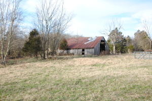 1086 Clear Creek Road, Everton, AR 72633
