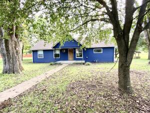 604 Panther Avenue, Yellville, AR 72687