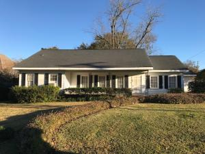 402 N First St., Collins, MS 39428