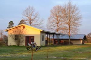 270 MONROE CREEK Rd., Hattiesburg, MS 39401