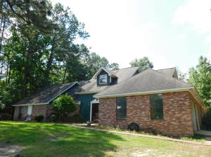 416 Maple Dr., Petal, MS 39465