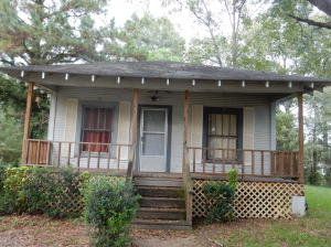 2 bedroom, 1 bath. Perfect for investment property. Fixer upper!