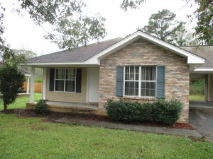 805 Mildred St., Petal, MS 39465