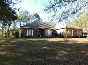 33 Windy Hill Dr., Purvis, MS 39475