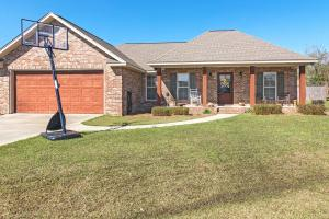 23 E Spruce, Sumrall, MS 39482