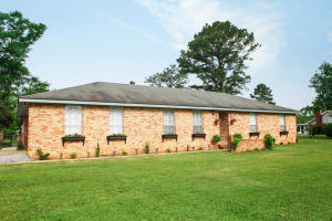 39 Chateau Dr., Petal, MS 39465