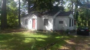 802 S Cherry St., Collins, MS 39428