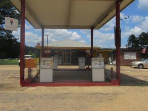2543 Hwy 532, Collins, MS 27276