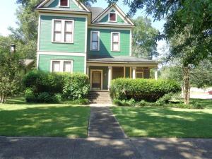 208 4th Ave., Hattiesburg, MS 39401