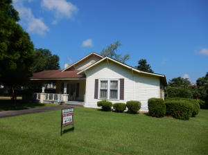 307 S 2nd St., Collins, MS 39428