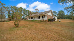 77 White Oak Rd., Seminary, MS 39479