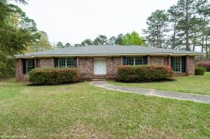 132 Fair Lake Dr., Hattiesburg, MS 39402