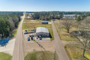 1581 S Fir Ave., Collins, MS 39428