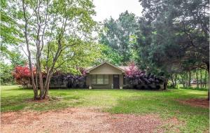 37 Pine Ridge Rd., Purvis, MS 39475