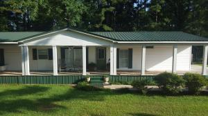 35 Graves Rd., Collins, MS 39428