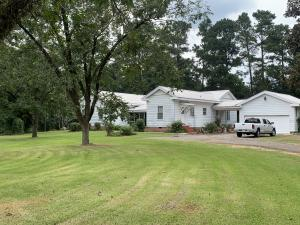 20 Marion Rd., Collins, MS 39428