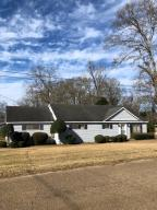 305 S 7th St, Collins, MS 39428