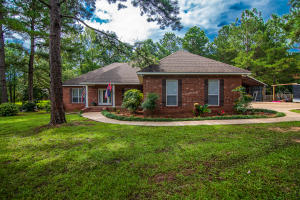48 Westbrook Estates Dr., Sumrall, MS 39482