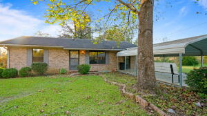 61 Ratcliff Rd., Sumrall, MS 39482