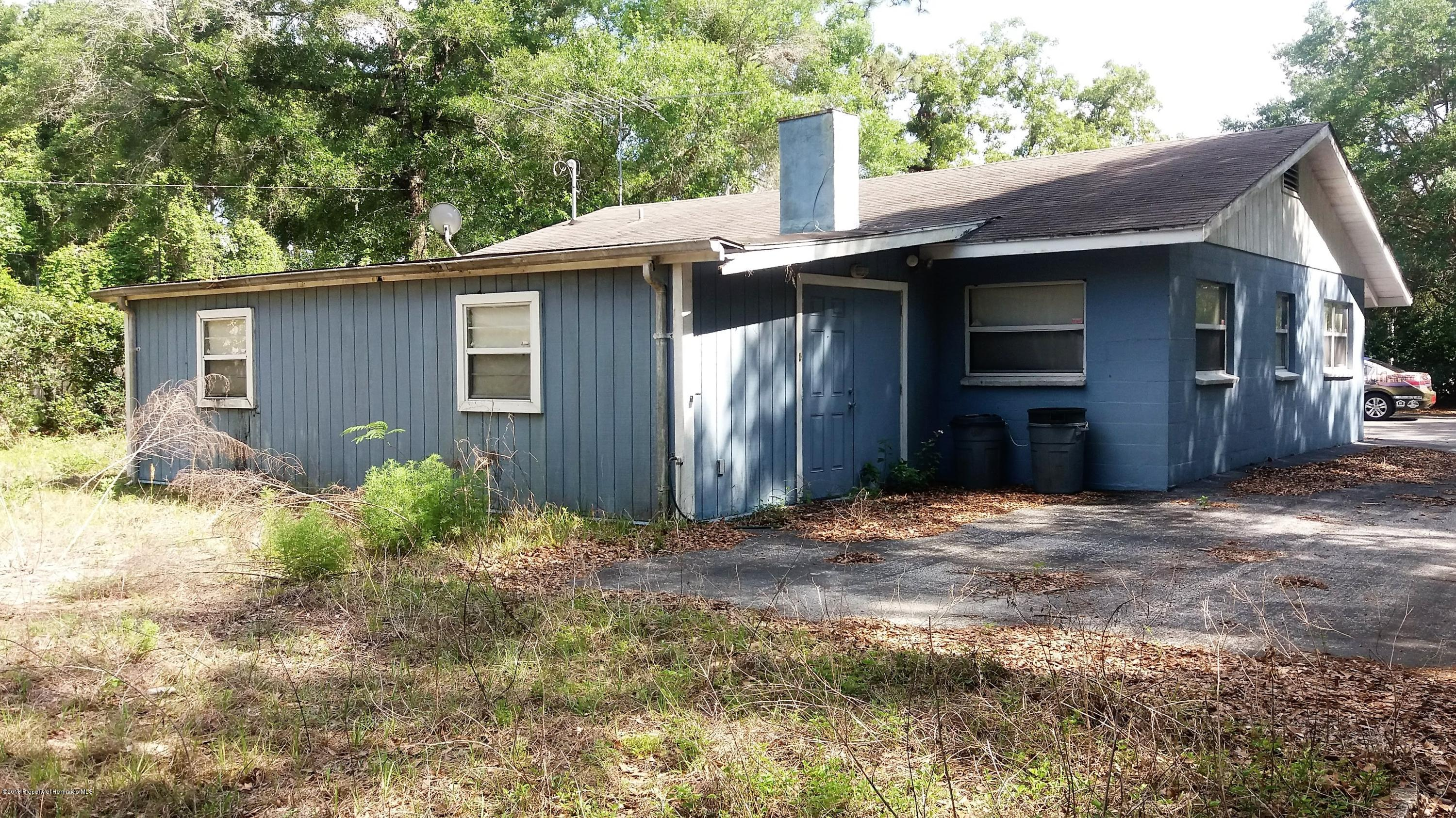 Listing photo id 14 for 16319 Cortez Boulevard