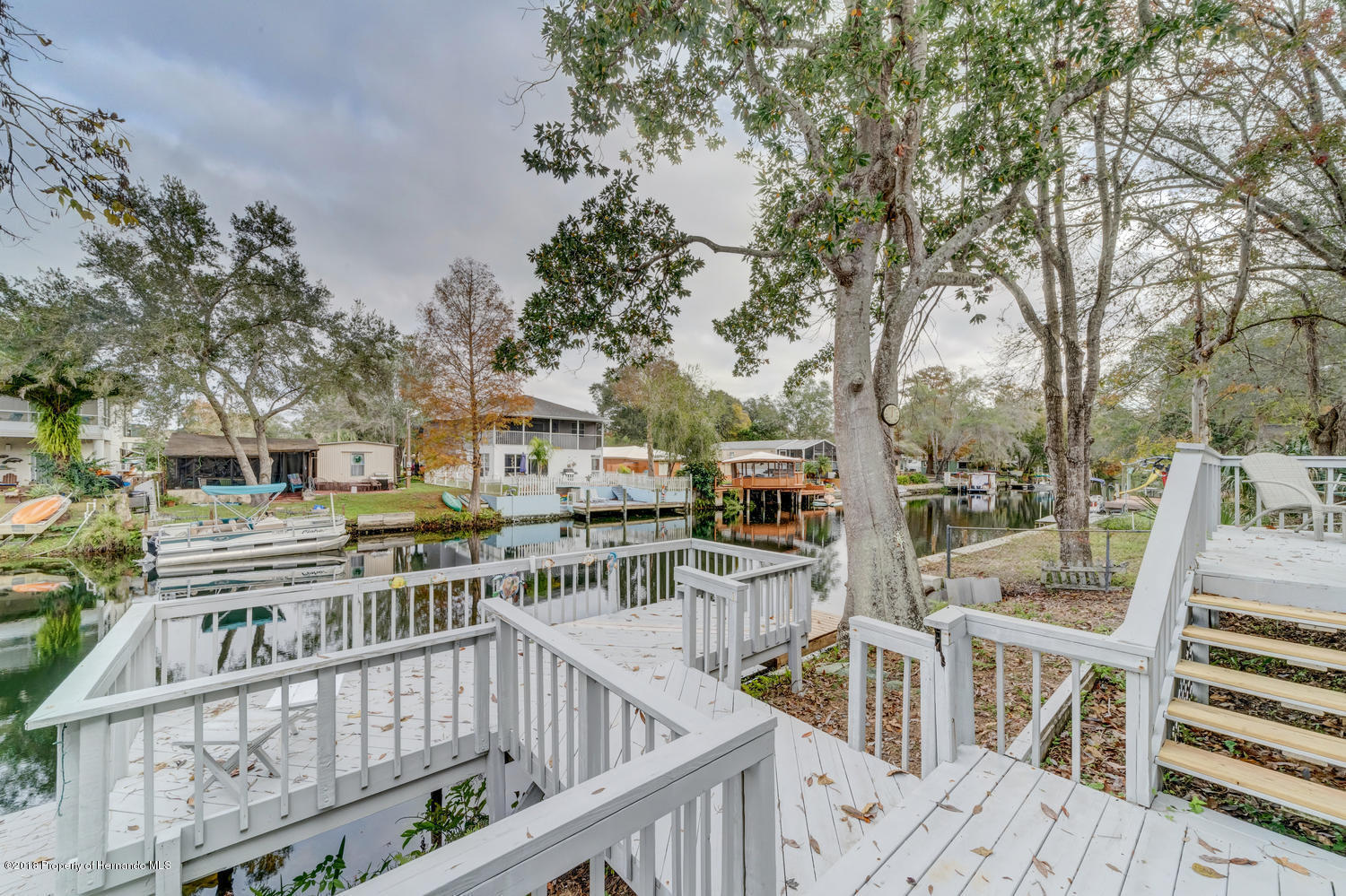 Listing photo id 37 for 6289 Theodan Street
