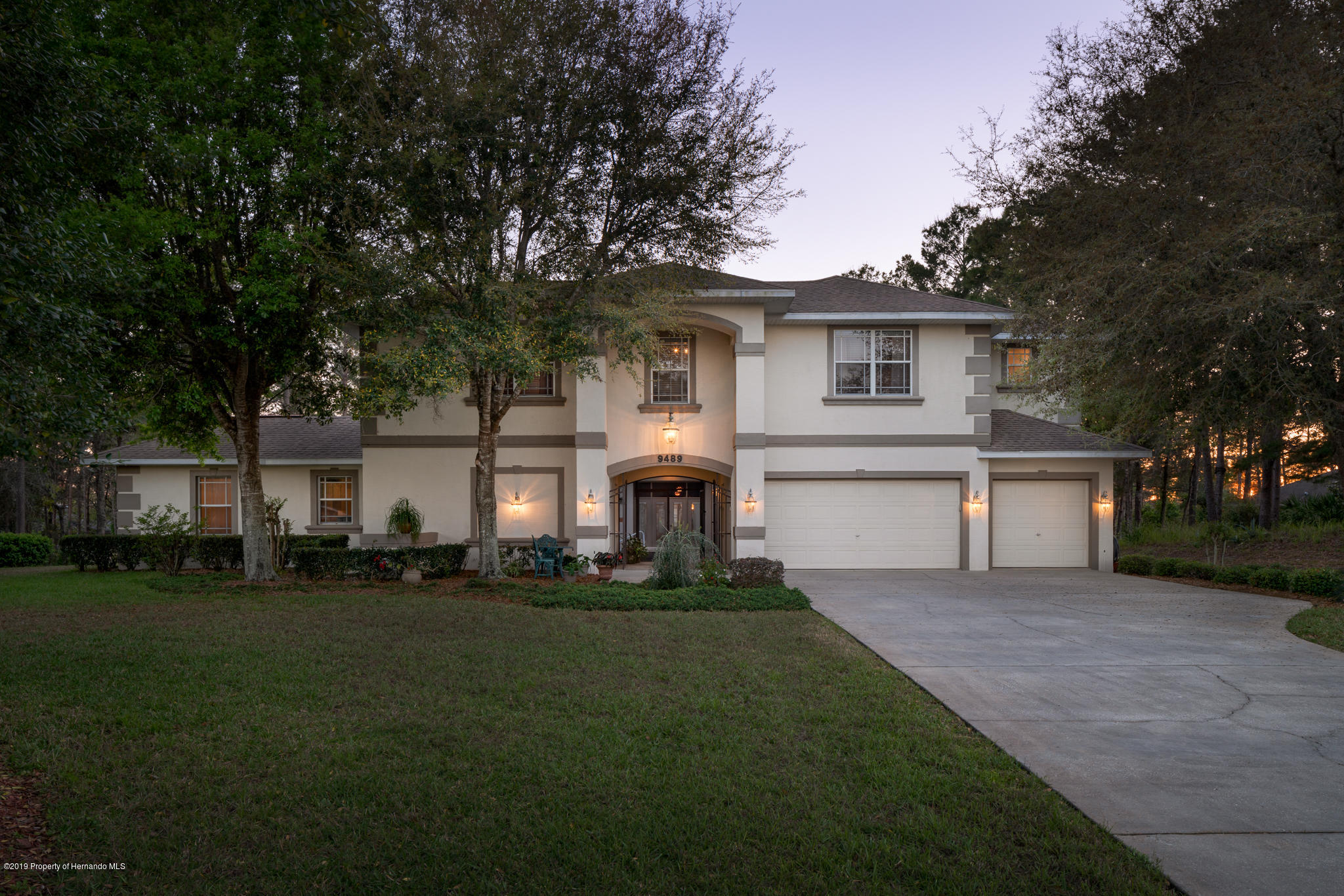 9489 Whisper Ridge Trail