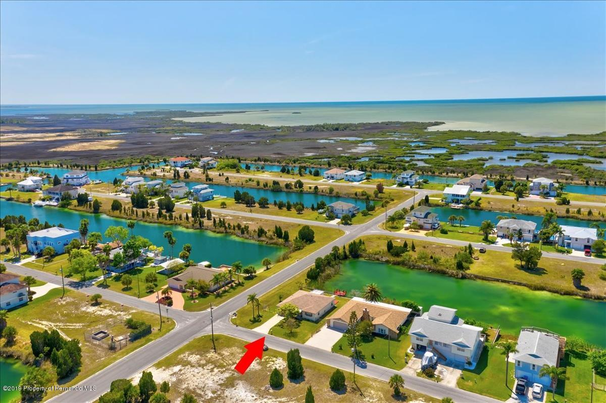 Listing photo id 49 for 3379 Crape Myrtle Drive
