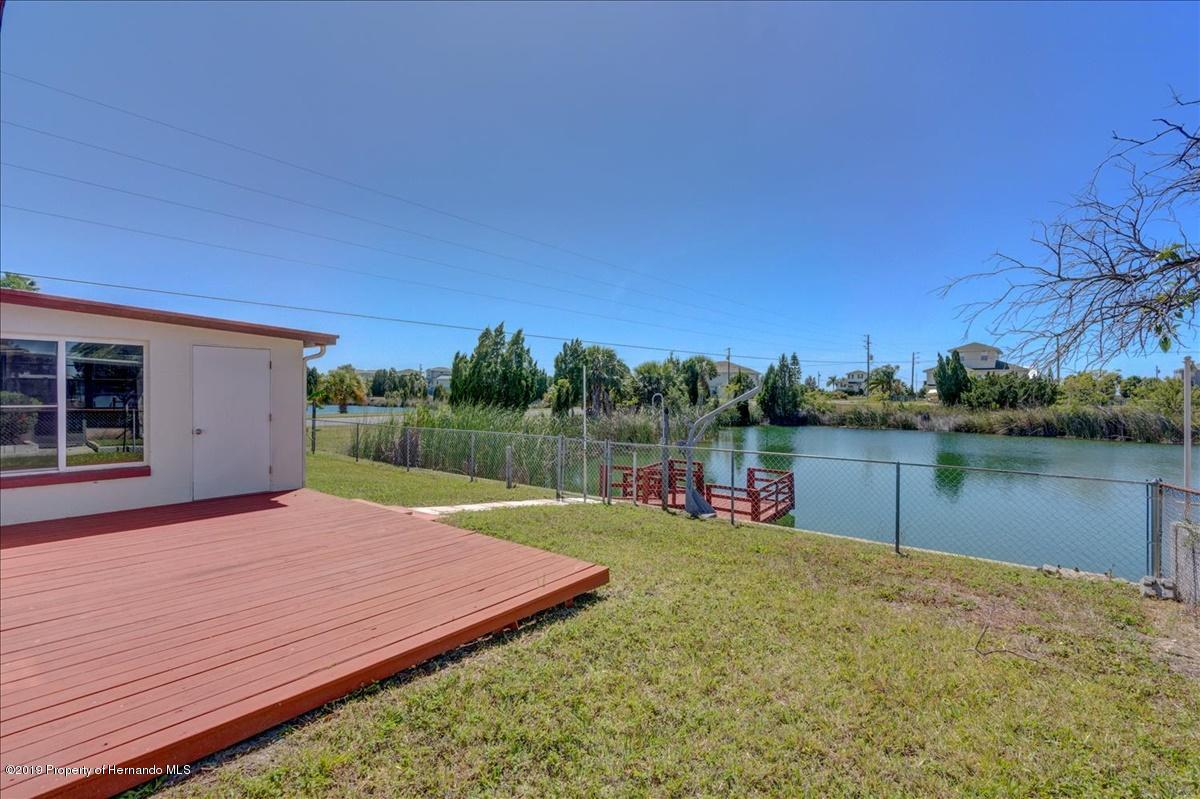 Listing photo id 36 for 3379 Crape Myrtle Drive