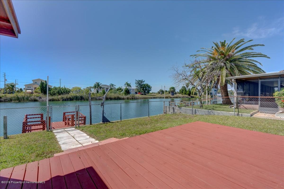 Listing photo id 37 for 3379 Crape Myrtle Drive