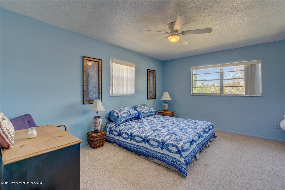Listing photo id 26 for 3379 Crape Myrtle Drive