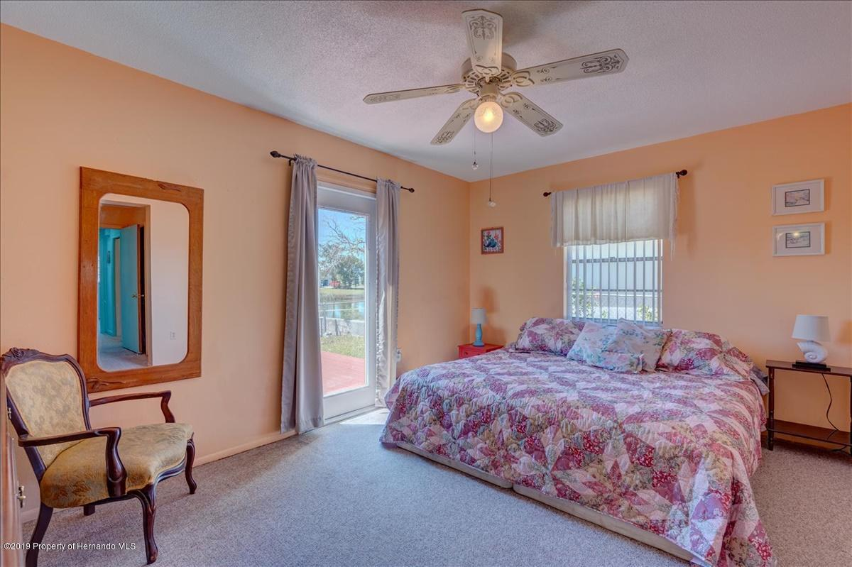 Listing photo id 23 for 3379 Crape Myrtle Drive