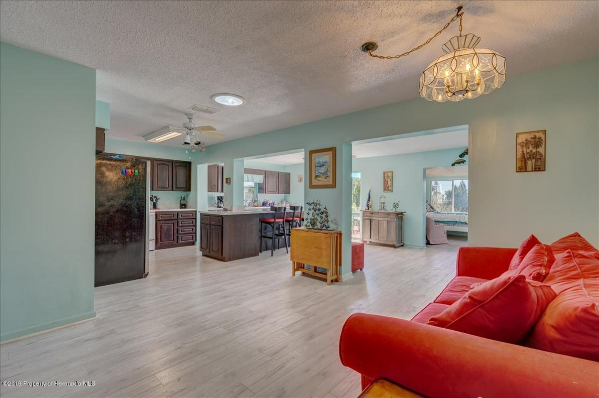 Listing photo id 10 for 3379 Crape Myrtle Drive