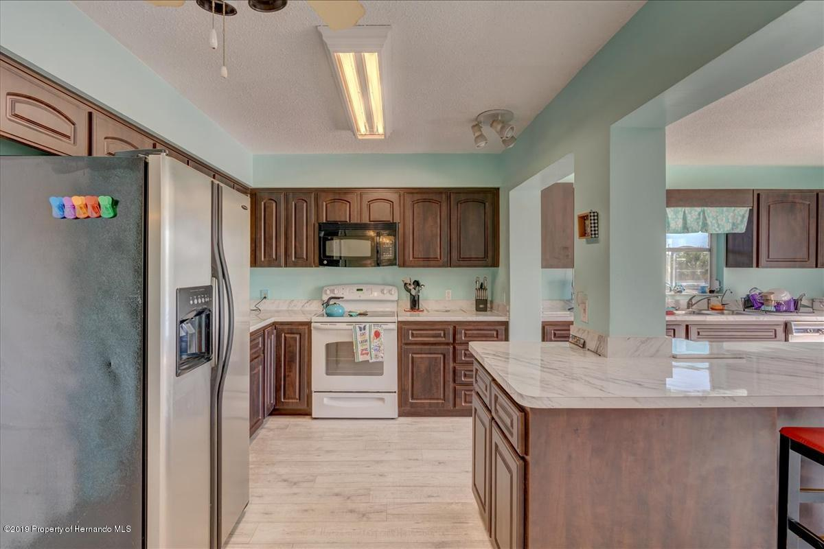 Listing photo id 18 for 3379 Crape Myrtle Drive