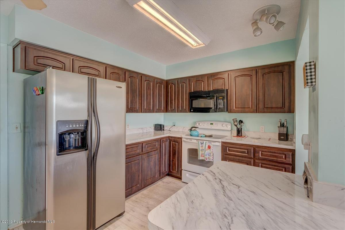 Listing photo id 17 for 3379 Crape Myrtle Drive