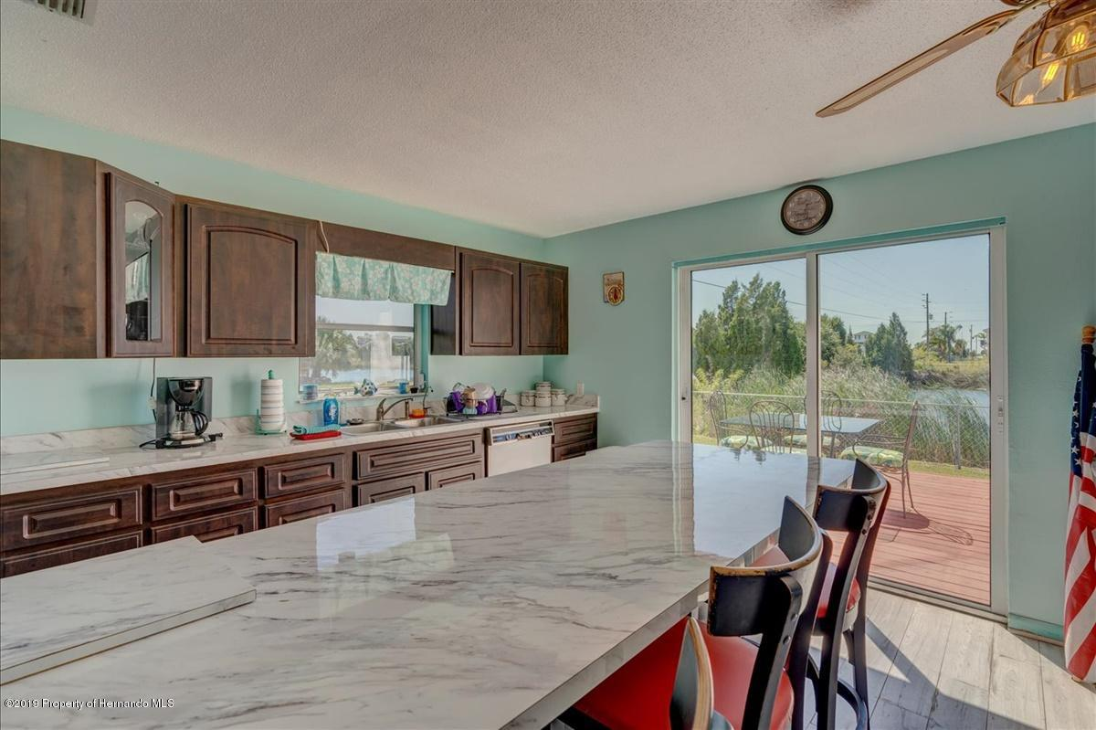 Listing photo id 15 for 3379 Crape Myrtle Drive