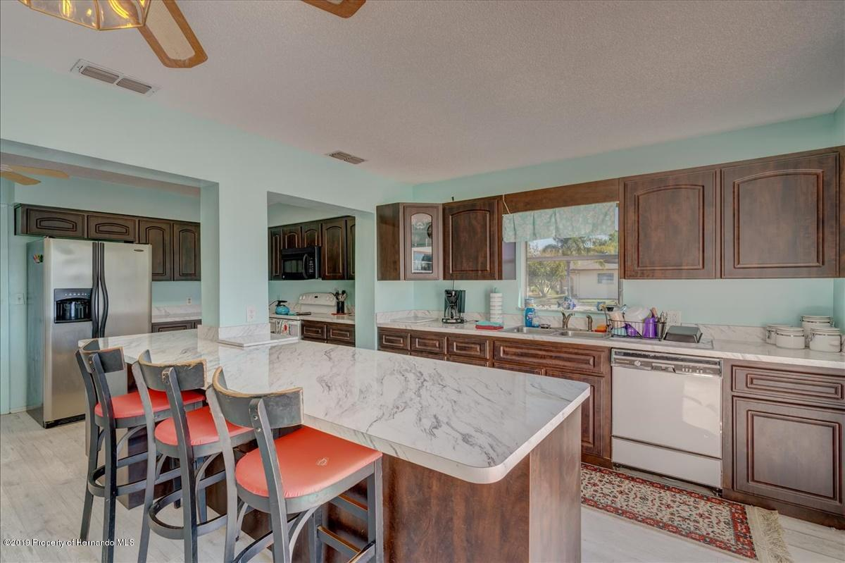 Listing photo id 14 for 3379 Crape Myrtle Drive