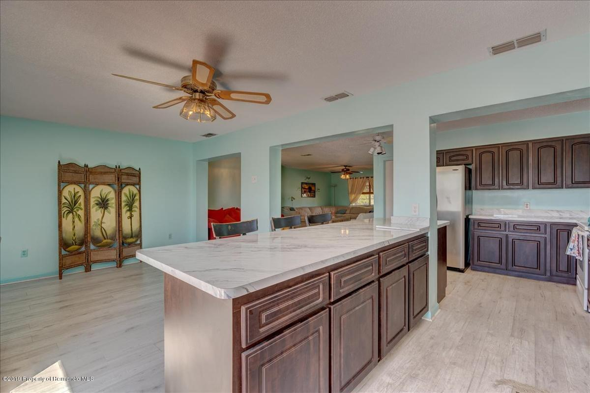 Listing photo id 12 for 3379 Crape Myrtle Drive