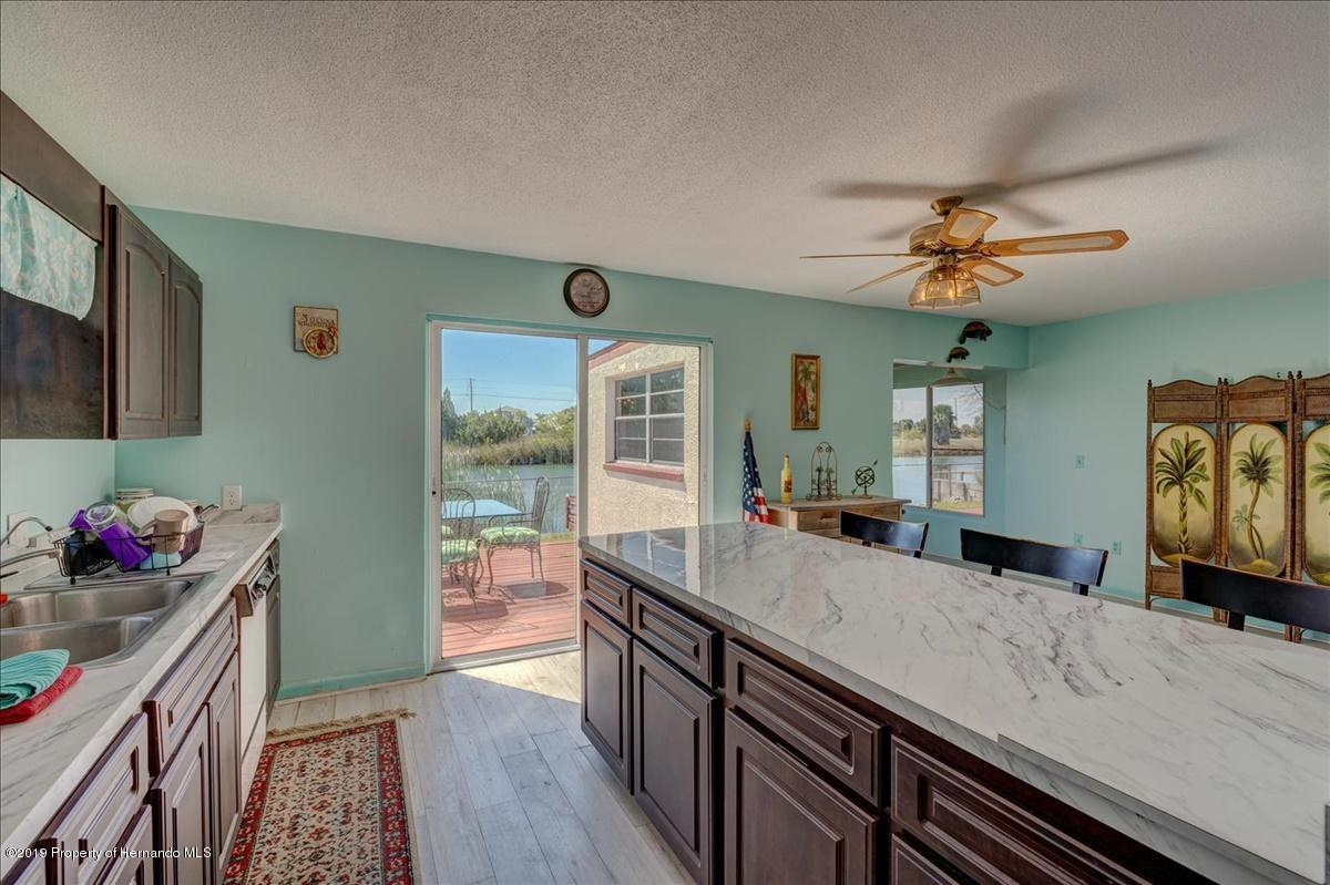 Listing photo id 16 for 3379 Crape Myrtle Drive