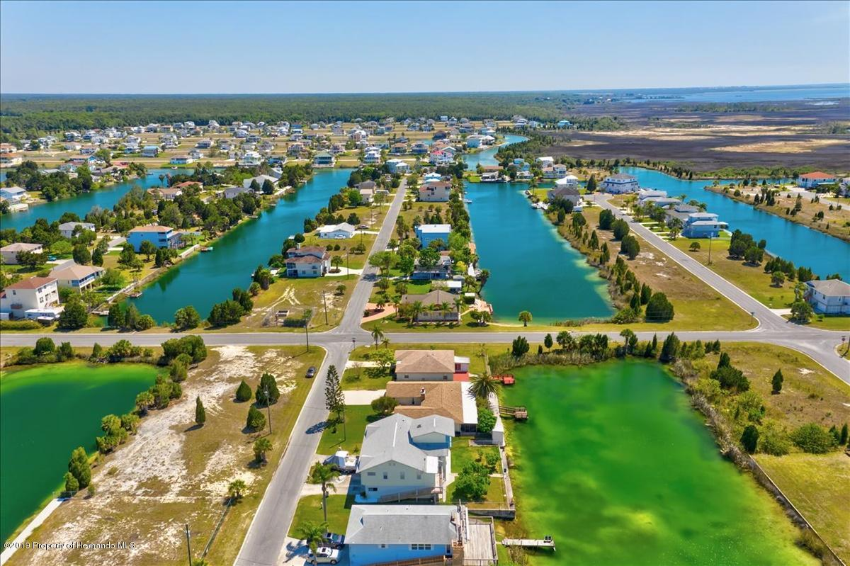 Listing photo id 59 for 3379 Crape Myrtle Drive