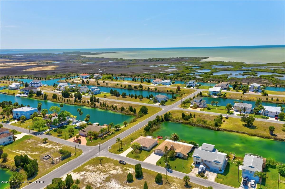 Listing photo id 60 for 3379 Crape Myrtle Drive