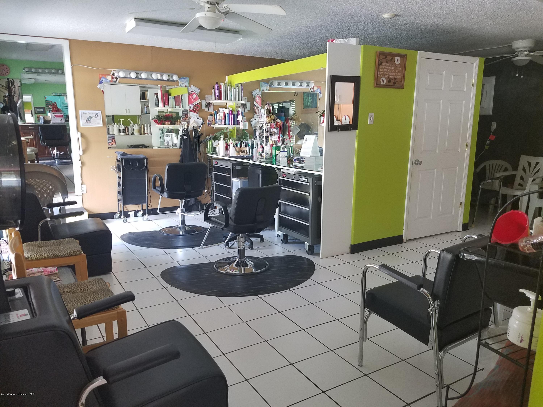 Listing photo id 16 for 304 N Broad Street